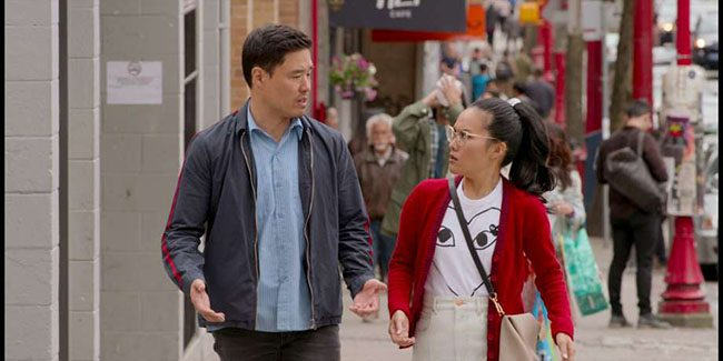 """Ali Wong y Randall Park son viejos amigos en """"Quizás para siempre"""""""